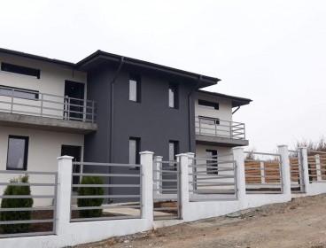 Viva Imobiliare - Casa tip duplex, dormitor parter, 380 mp teren, Rediu