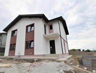 Viva Imobiliare - Casa Popas Pacurari finisaje premium, priveliste spre Rediu, teren 310