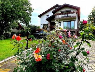 Viva Imobiliare - Proprietate de lux cu piscina exterioara si spa, Valea Lupului/Popas