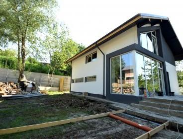 Viva Imobiliare - Vila moderna Miroslava 4 camere, teren 950mp