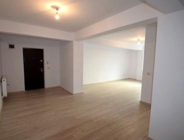 Viva Imobiliare - Apartament finalizat! 3 camere, decomandat, baie cu geam, parcare