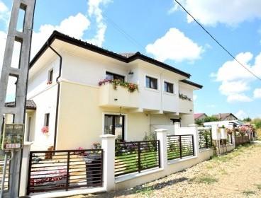 Viva Imobiliare - Vila 5 cam, incalzire in pardoseala , Miroslava