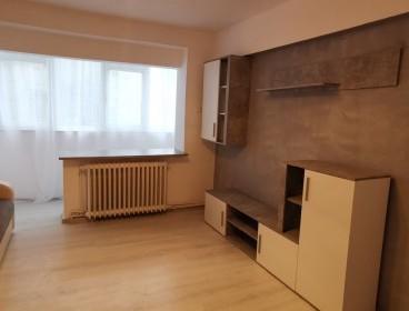 Viva Imobiliare - Apartament de vanzare cu 2 camere Centru-Bd Independentei