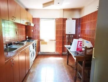 Viva Imobiliare - Apartament 3 camere Tg Cucu 64 mp 72000 euro negociabil.