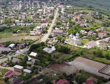 Viva Imobiliare - 2700 mp teren Breazu la biserica