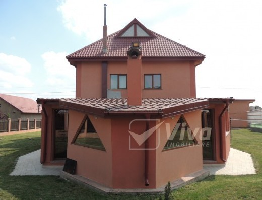 Viva Imobiliare - Casa de inchiriat, 7 camere, zona Popas Pacurari