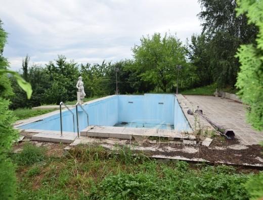 Viva Imobiliare - Teren 2500 mp cu piscina, Bucium - Casa Boiereasca