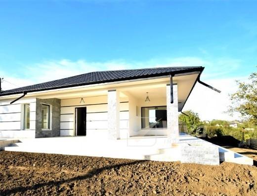 Viva Imobiliare - Casa Rediu/Breazu 6 camere, beci, 700 mp teren