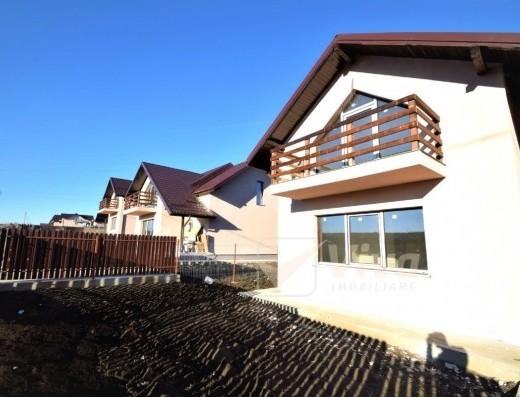 Viva Imobiliare - Casa finalizata, 4 cam, la sos. asfaltata, 430 mp teren Miroslava