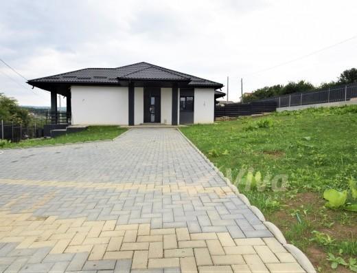 Viva Imobiliare - Vila Barnova-Bucium 670 mp teren