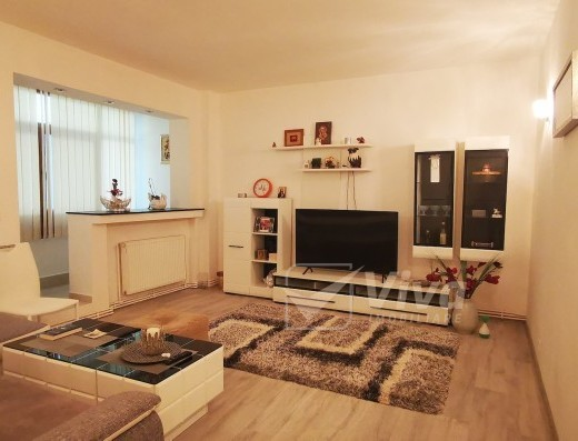 Viva Imobiliare - Apartament 3 camere si garaj Copou