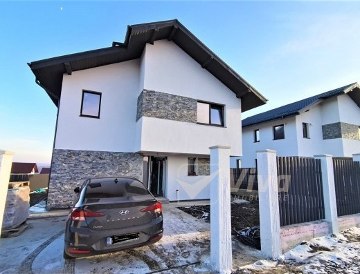 Viva Imobiliare - Vila 4 camere, incalzire in pardoseala, teren 410mp, Breazu