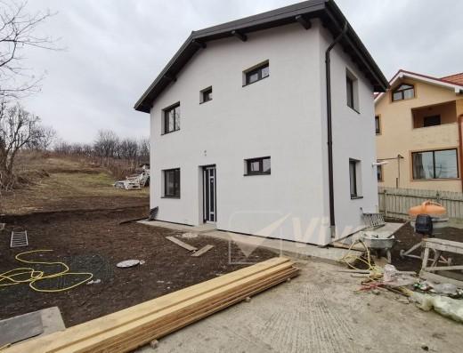 Viva Imobiliare - Casa individuala 3 camere, P+E in Rediu