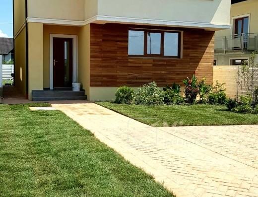 Viva Imobiliare - ESQ Village 3, cel mai mare ansamblu de case din Iasi, Galata